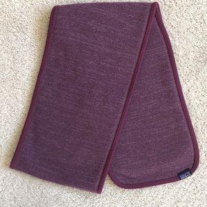 PATAGONIA Better Sweater Fleece purple plum scarf